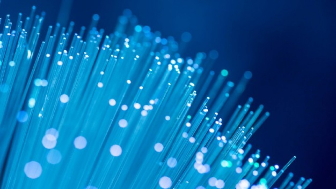 مزایا و معایب شبکه فیبر نوری